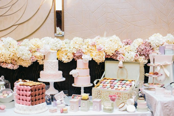 Luxurious floral wedding by Winifred Kristé Cake - 010