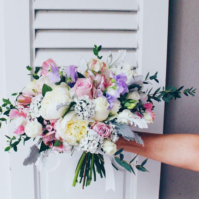 Bridal Bouquets by Ever & Blue Floral Design - 014
