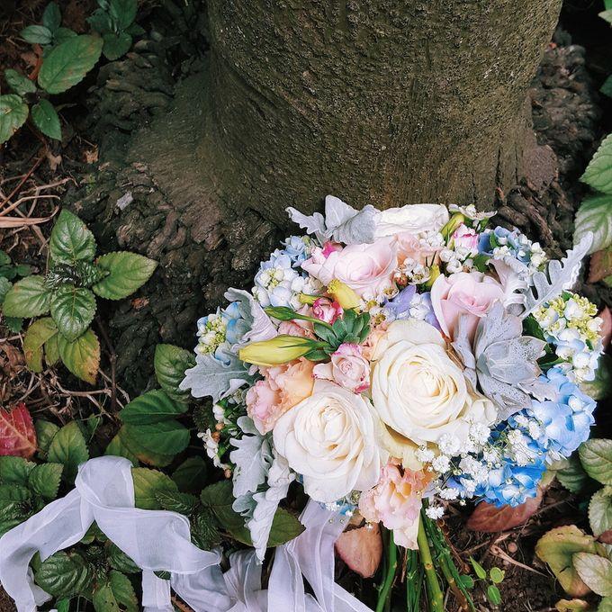 Bridal Bouquets by Ever & Blue Floral Design - 012