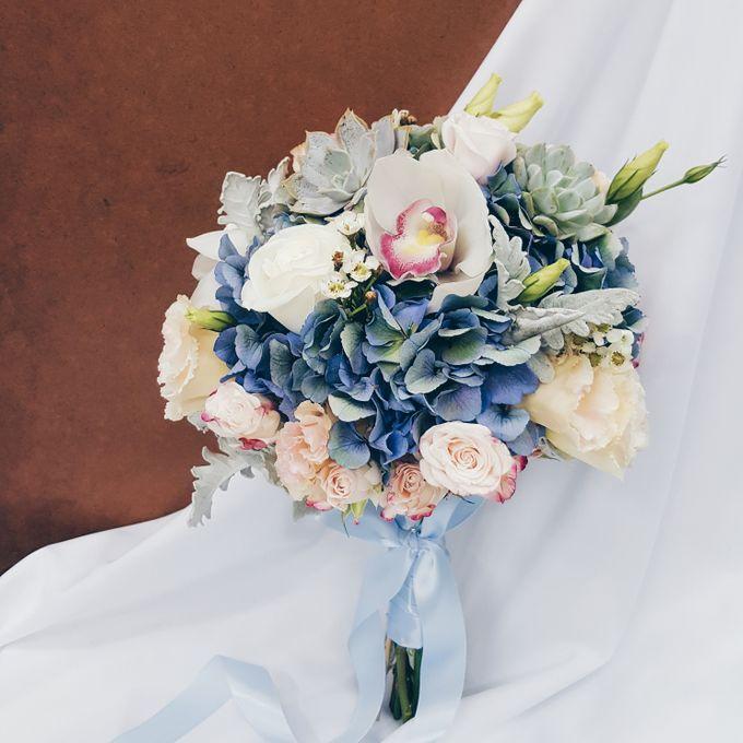 Bridal Bouquets by Ever & Blue Floral Design - 030