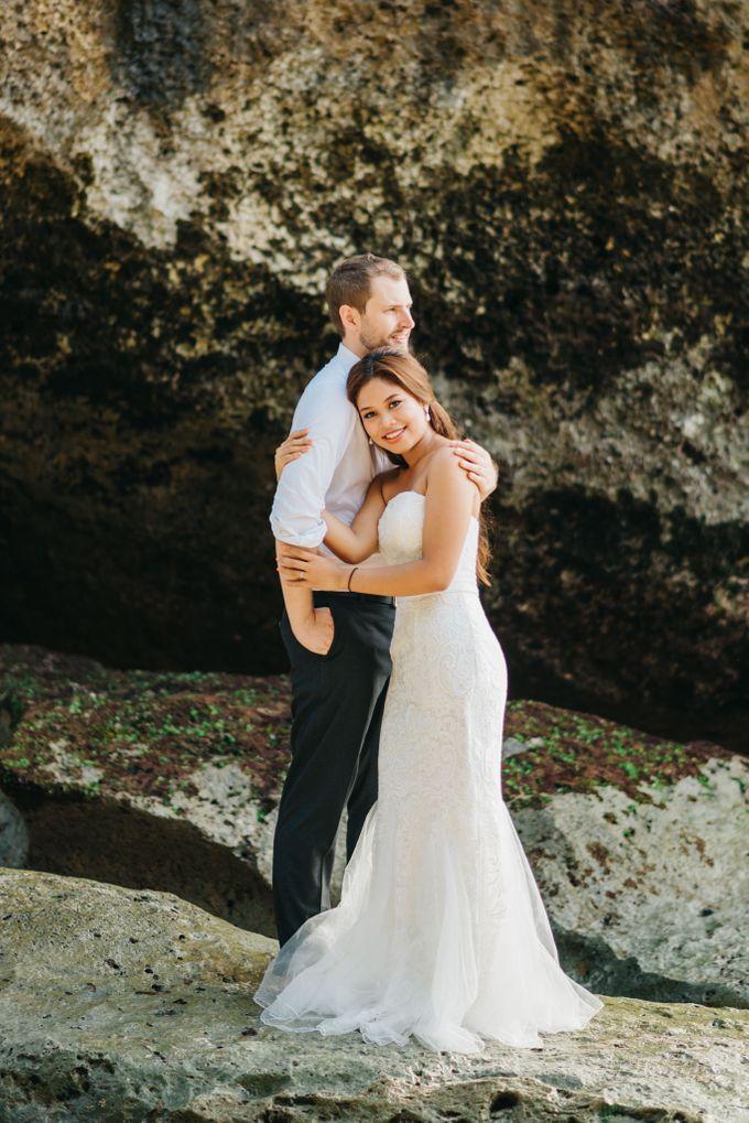 Suluban Beach Pre-Wedding by Peter Herman Photography - 002