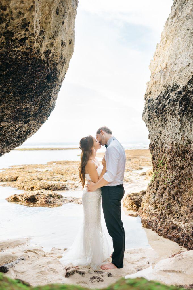 Suluban Beach Pre-Wedding by Peter Herman Photography - 004