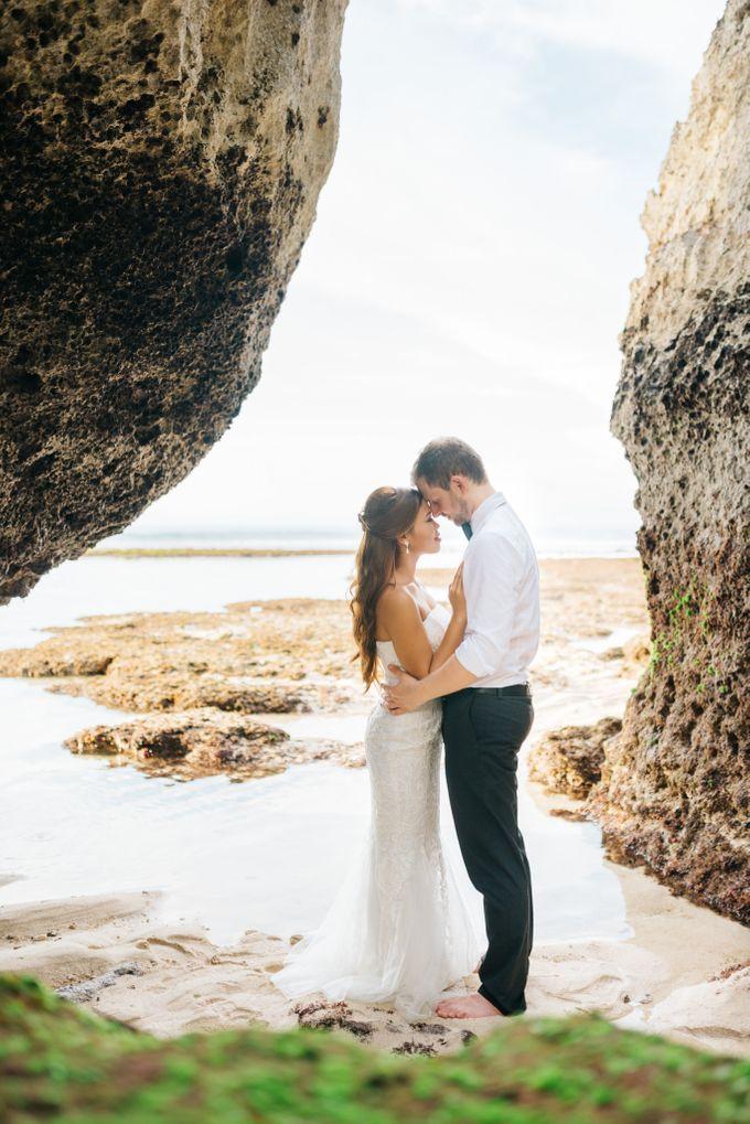 Suluban Beach Pre-Wedding by Peter Herman Photography - 005
