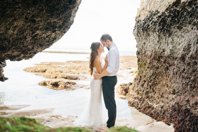 Suluban Beach Pre-Wedding by Peter Herman Photography - 006