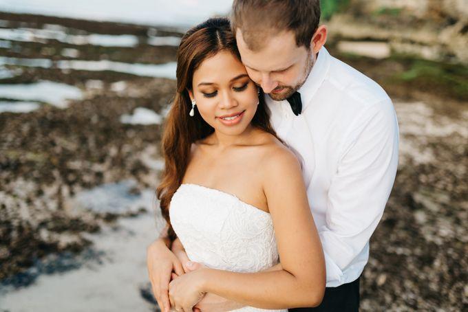 Suluban Beach Pre-Wedding by Peter Herman Photography - 011