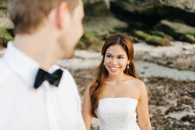 Suluban Beach Pre-Wedding by Peter Herman Photography - 013