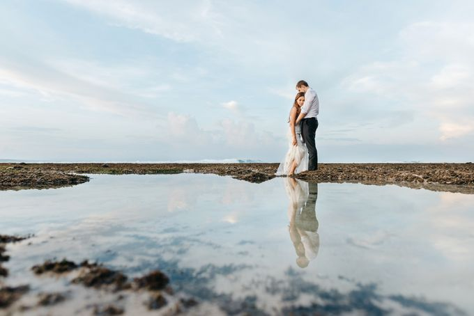 Suluban Beach Pre-Wedding by Peter Herman Photography - 015