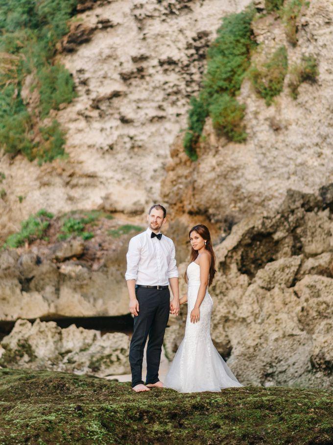 Suluban Beach Pre-Wedding by Peter Herman Photography - 018