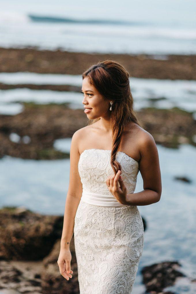 Suluban Beach Pre-Wedding by Peter Herman Photography - 027