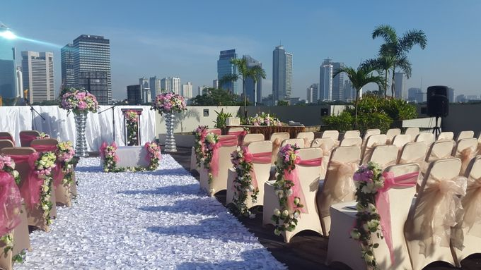 Weddings at our Rooftop Rool by Royal Kuningan Jakarta - 003