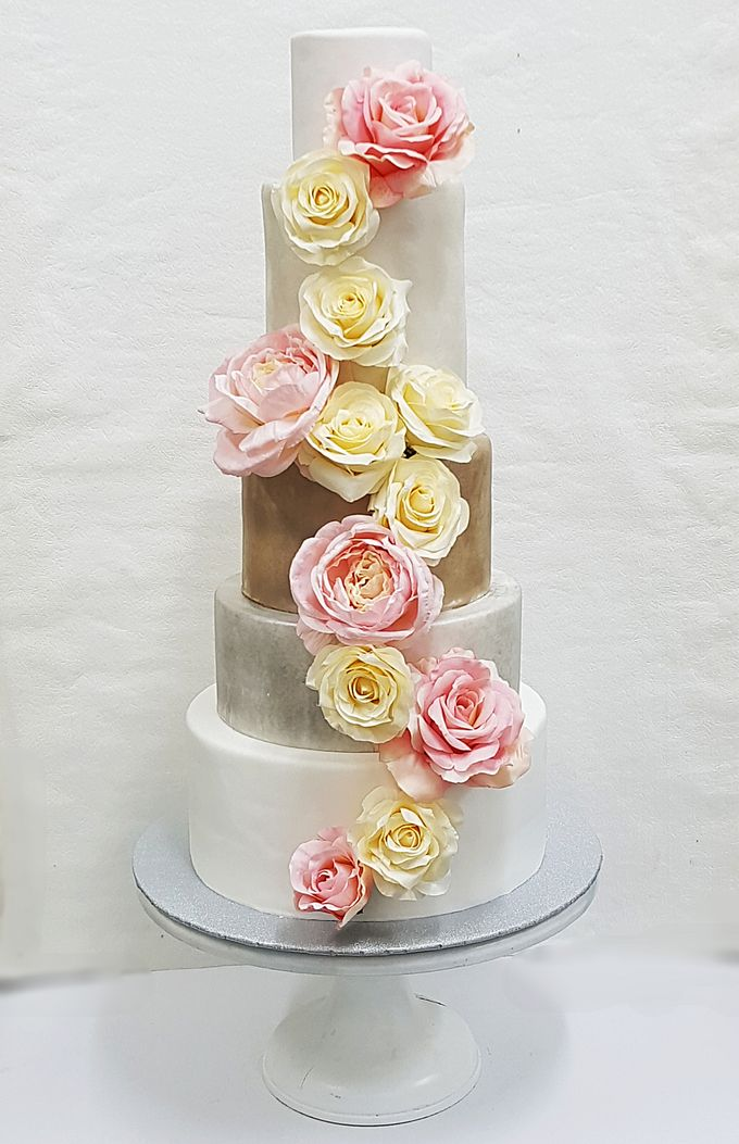 Wedding Cake Rentals by Carousel Moments - 003