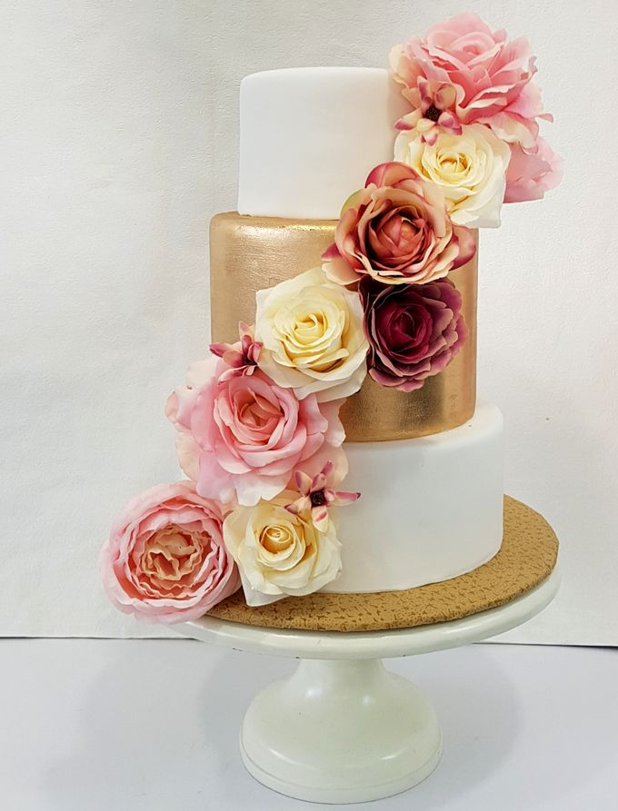Wedding Cake Rentals by Carousel Moments - 002