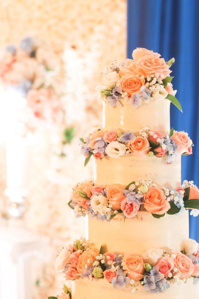 Wedding Cake - Denny & Octavia by Lareia Cake & Co. - 001