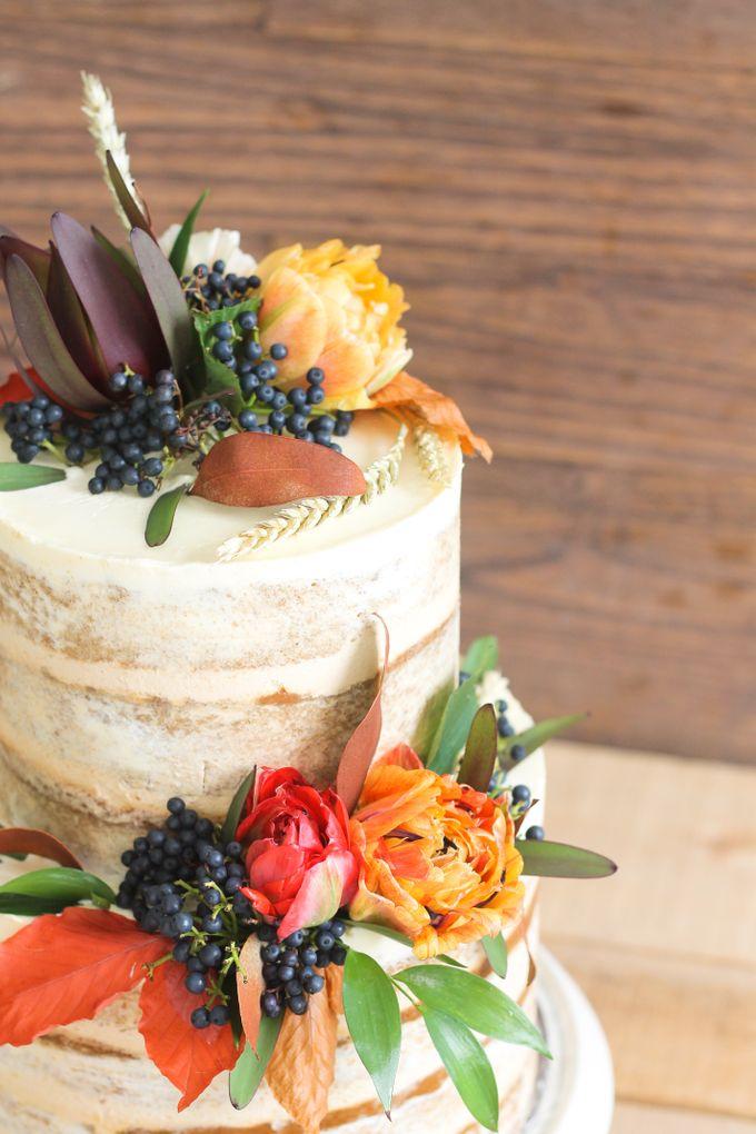 Party Cake - Semi Naked Autumn Cake by Lareia Cake & Co. - 001
