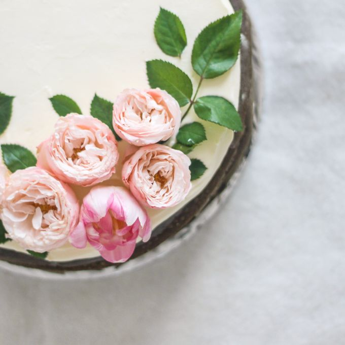 Party Cake - Mille Crêpes with Fresh Flowers by Lareia Cake & Co. - 002