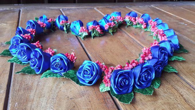 Single flower boutonniere by Letizia Wedding - 004