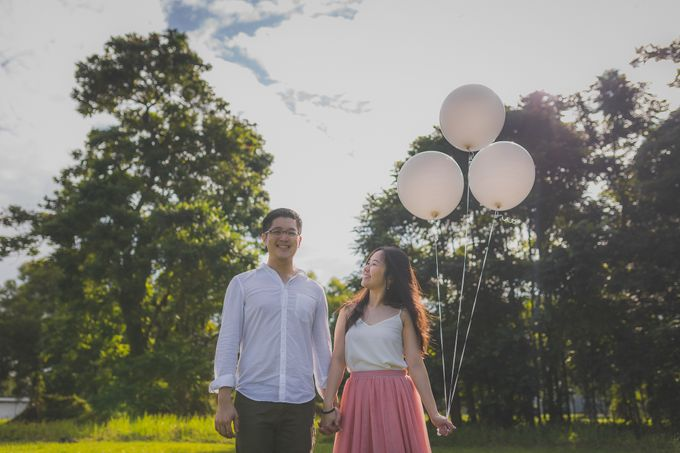 Engagement Pre-Wedding Photoshoot - Yang and Shirley by Alan Ng Photography - 012
