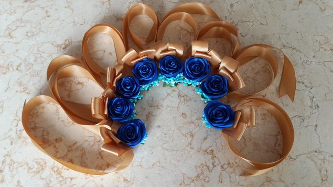 wrist corsages for bridesmaid and close relatives by Letizia Wedding - 004