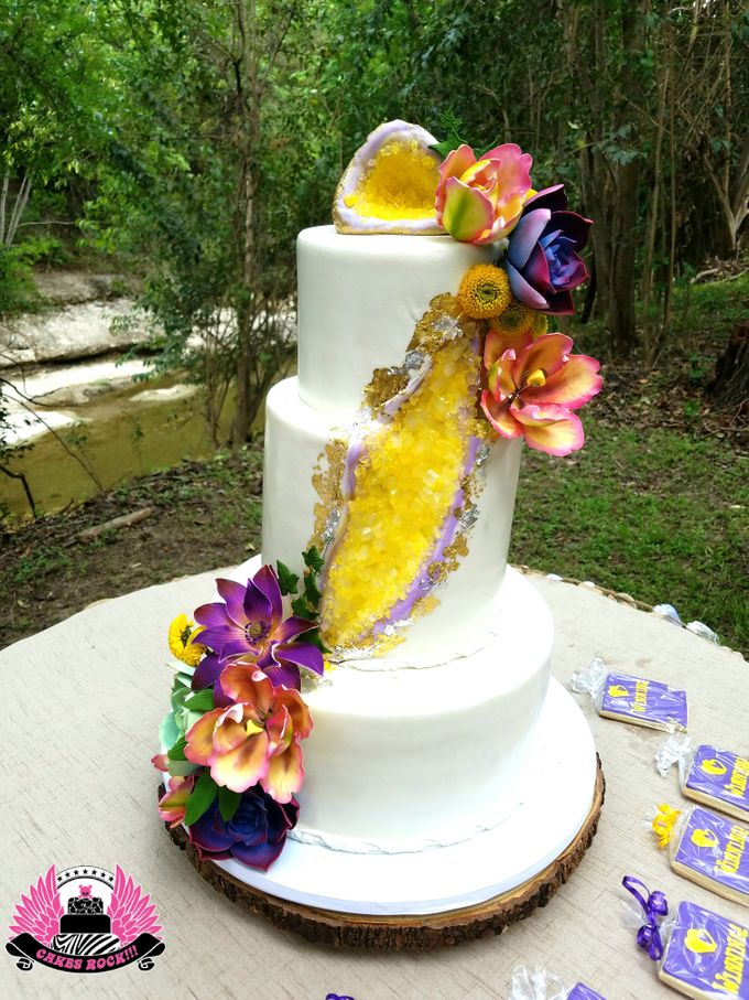 Wedding and Grooms' Cakes by Cakes ROCK!!! - 042