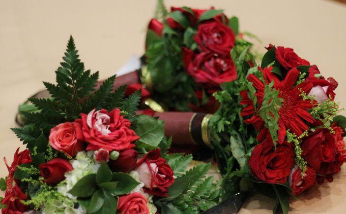 Mel Bridesmaids by Garland Galore Flower Shop - 024