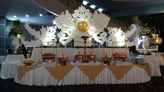 The wedding of Dewi & Robby by PUSPA CATERING - 001