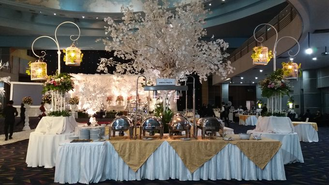 The wedding of Dewi & Robby by PUSPA CATERING - 002