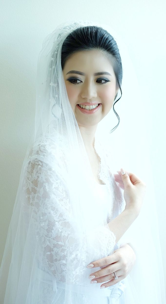 Bridal Makeup for Ms.Margaret by Beyond Makeup Indonesia - 004