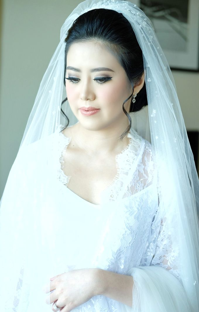 Bridal Makeup for Ms.Margaret by Beyond Makeup Indonesia - 005