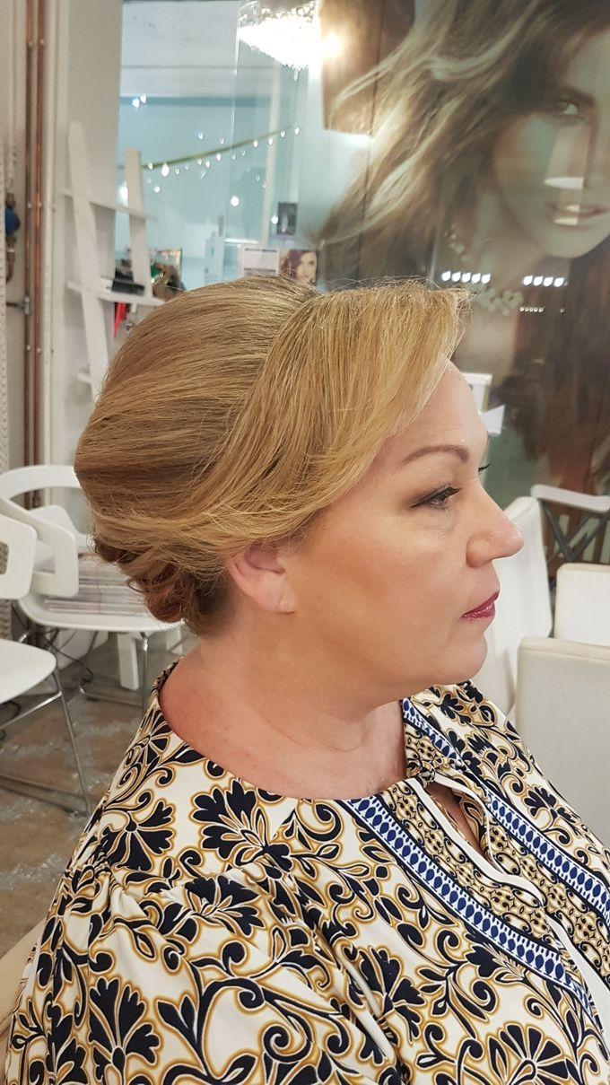 Updo On Short Hair by Favor Make Up by Dian Mayasari - 003