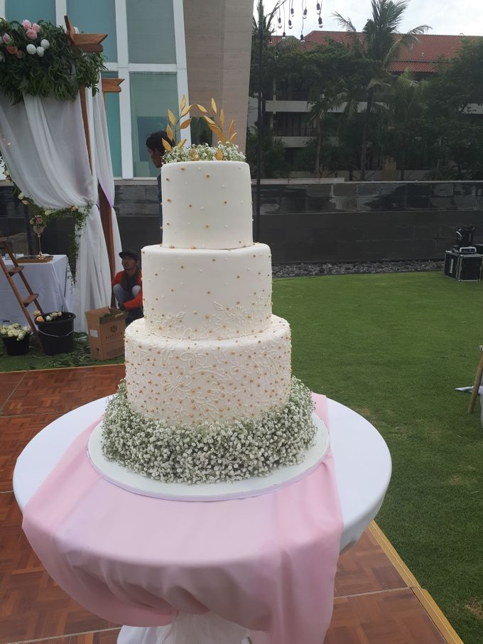 Simple Wist BabyBreath Flower by Sugaria cake - 002