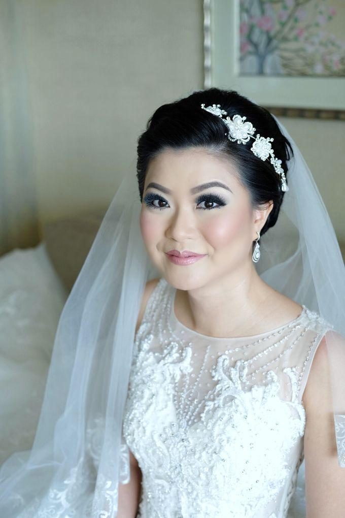Bridal Makeup for Melinda by Beyond Makeup Indonesia - 010