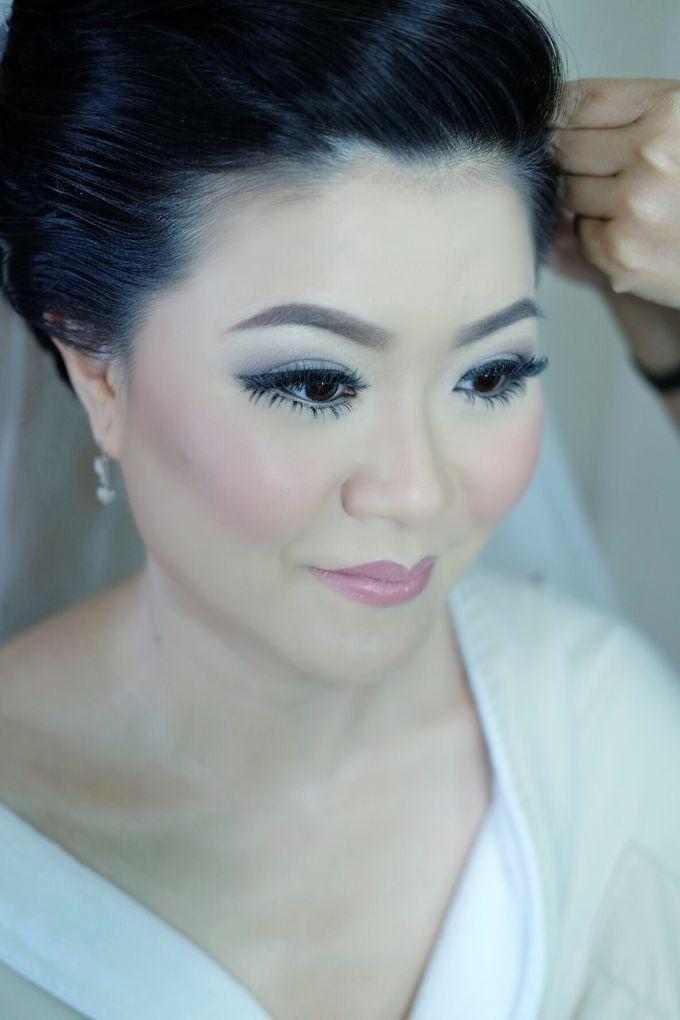 Bridal Makeup for Melinda by Beyond Makeup Indonesia - 003