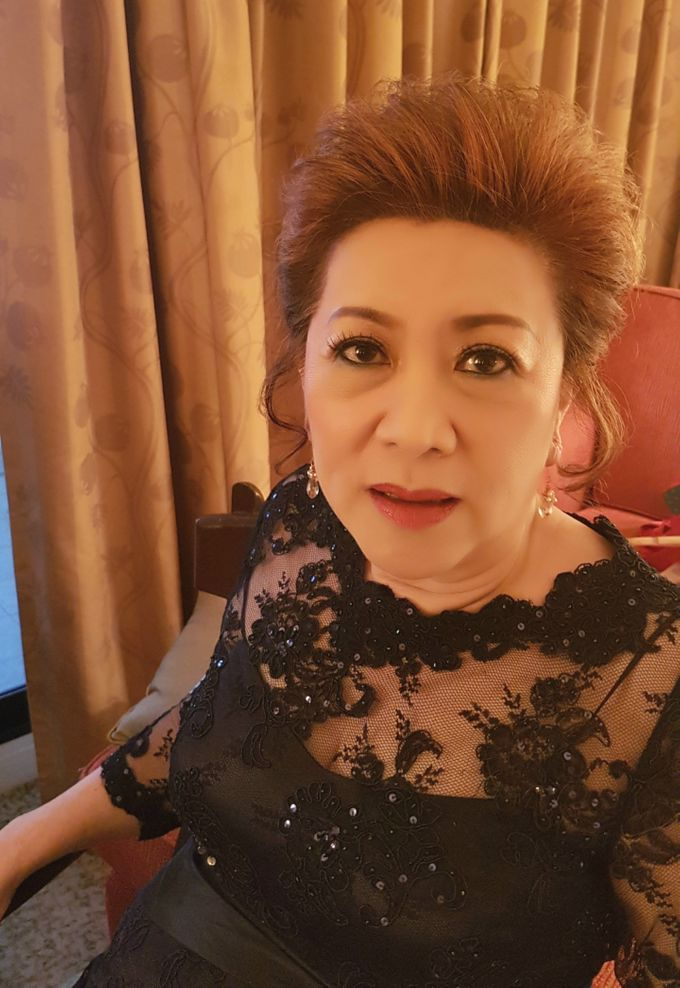 Bride's Mom by Favor Make Up by Dian Mayasari - 003