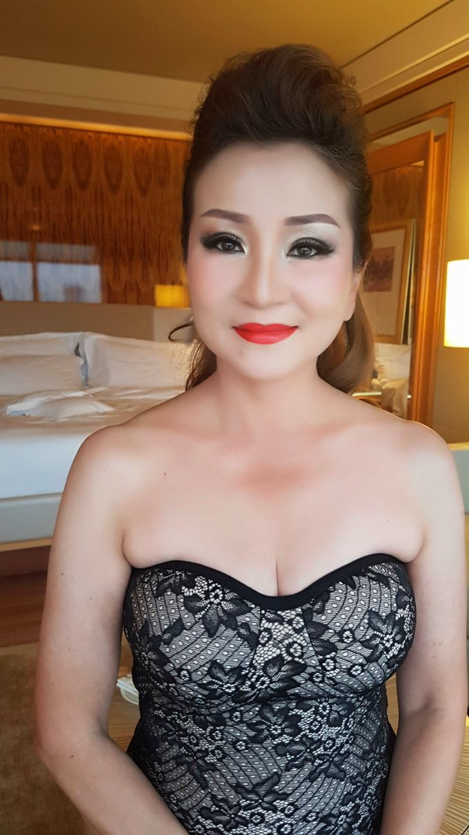 Smokey Eyes And Red Lipstick by Favor Make Up by Dian Mayasari - 001