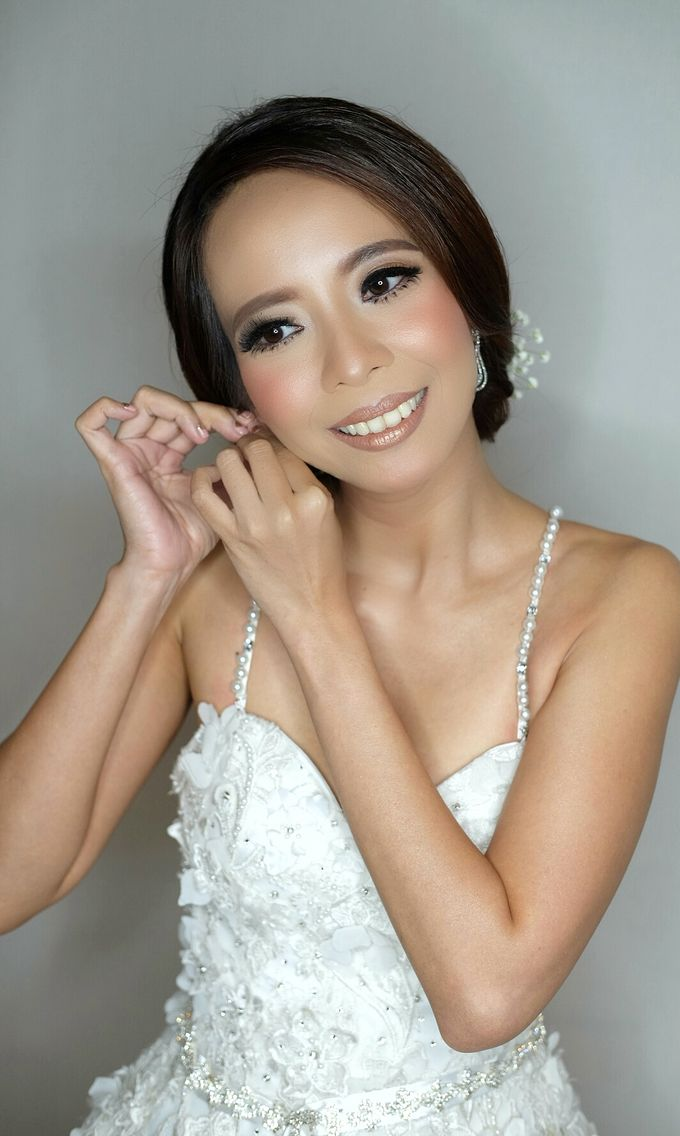Bridal Makeup for Anneke Vera by Beyond Makeup Indonesia - 003