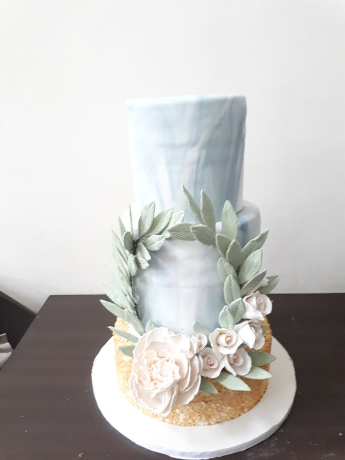 In Gold N Marble by Sugaria cake - 001