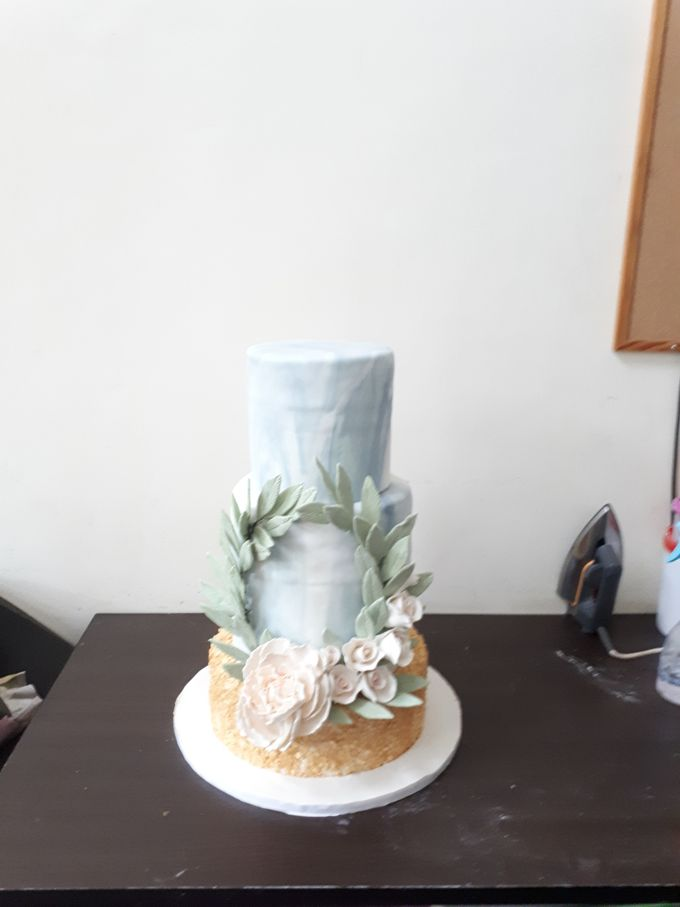 In Gold N Marble by Sugaria cake - 002