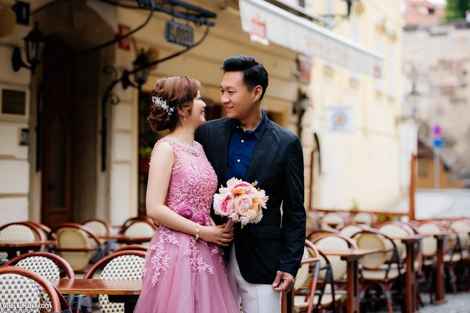 Pre-wedding photo shoot in Prague by Victor Zdvizhkov Prague Photographer - 001