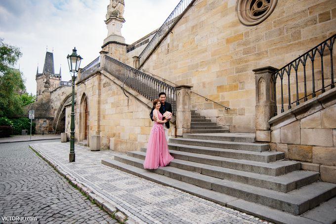 Pre-wedding photo shoot in Prague by Victor Zdvizhkov Prague Photographer - 003