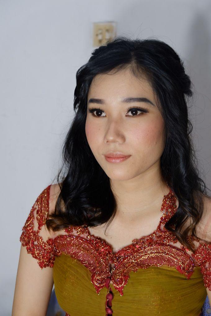 Graduation Ms.Fenecia by Nathalia Tjan Makeup - 007