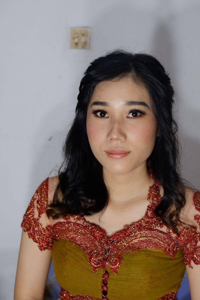 Graduation Ms.Fenecia by Nathalia Tjan Makeup - 005