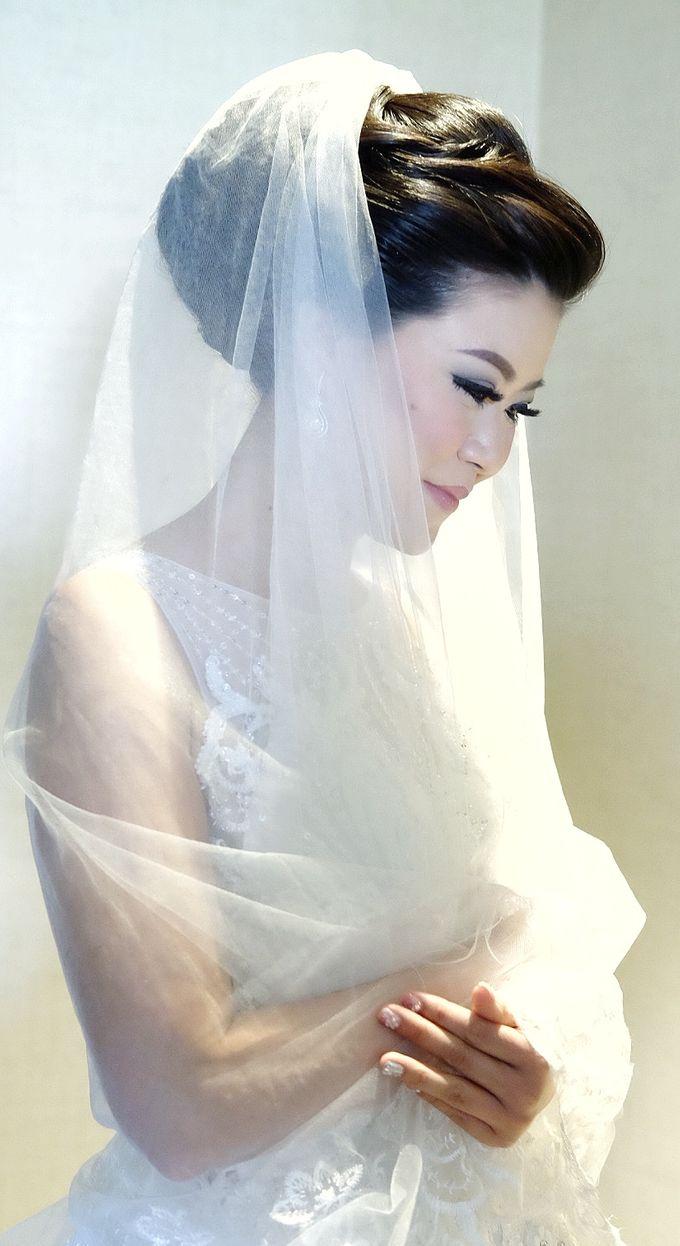 Bridal Makeup for Melinda by Beyond Makeup Indonesia - 011