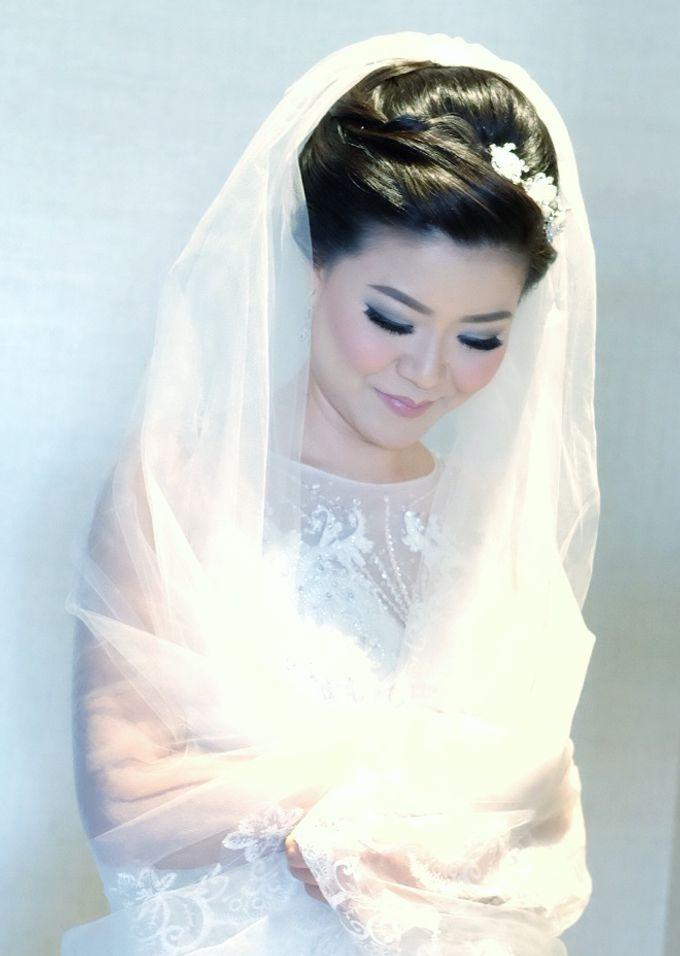 Bridal Makeup for Melinda by Beyond Makeup Indonesia - 002