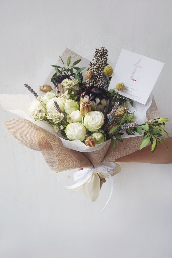 Gift Bouquet by Tiffany's Flower Room - 040