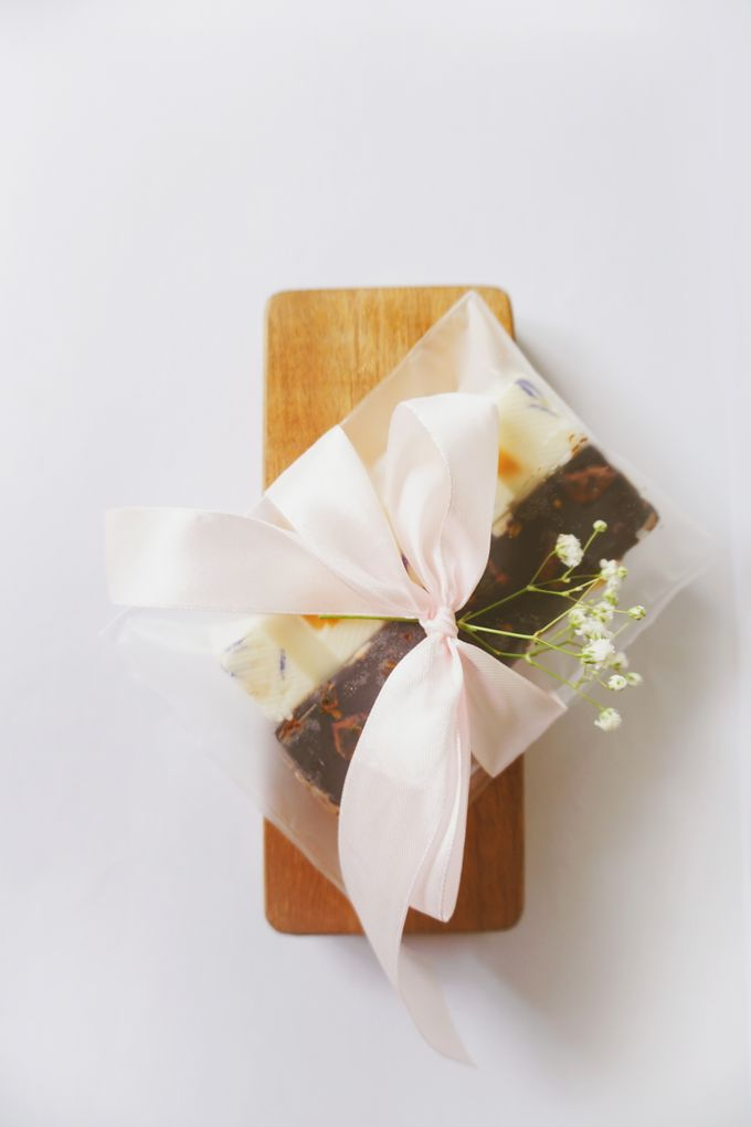 Edible Flower Souvenir by Tiffany's Flower Room - 004