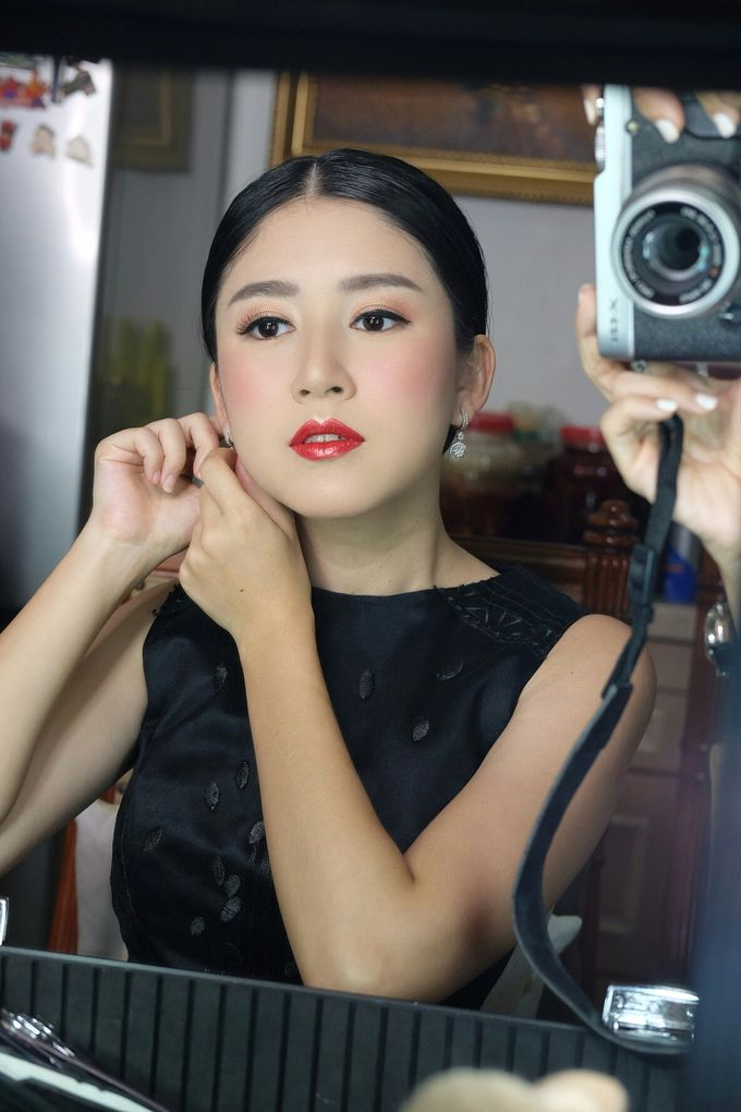 Classy glowing look for Ms.Diana by Beyond Makeup Indonesia - 006