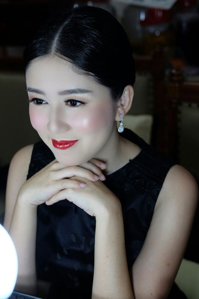 Classy glowing look for Ms.Diana by Beyond Makeup Indonesia - 002
