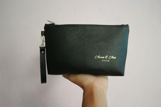 Leather Pouch Zipper by Mewah Souvenir - 003