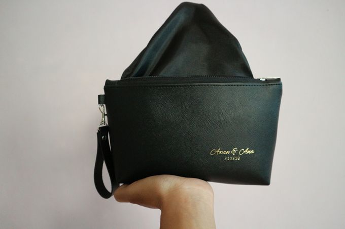 Leather Pouch Zipper by Mewah Souvenir - 002