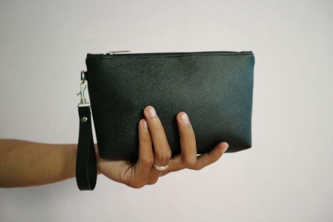 Leather Pouch Zipper by Mewah Souvenir - 001